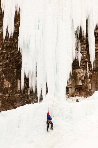 Incredible Video: Ice Climber Survives Massive Fall