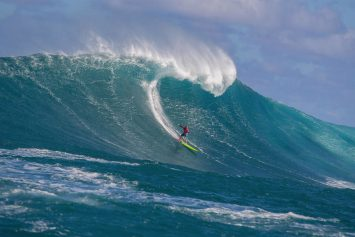 Big Wave Contest at Jaws Includes First Women's Event