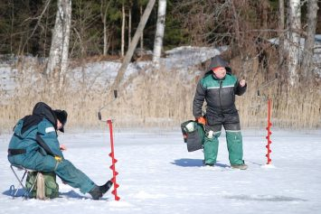 4 Ways to Find Fish Through the Ice