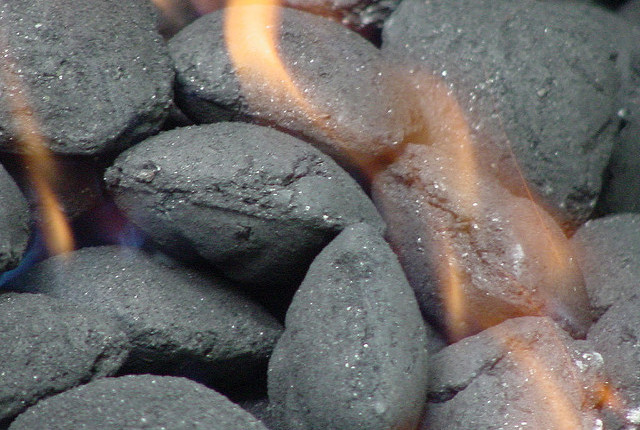 Start coals with egg crate